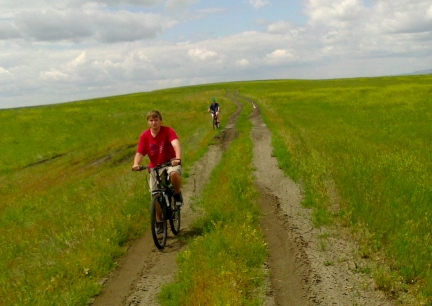 Blake & Marna Riding the Prairie Tour Fossil Hunting 2014-07-01