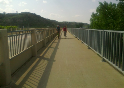 Deron and Blake Medora Bridge 2014-07-02