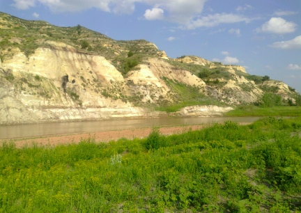 River Cliffs Behind Medora Campground  2014-07-02
