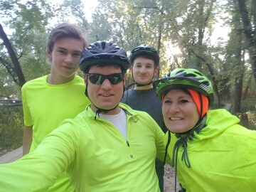 Eli Tony Jesse Marna bicycle riding single track Castlewood 2017-10-29