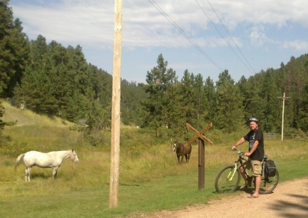 Deron  Pulls into the Sugarloaf Trailhead 2014-09-17